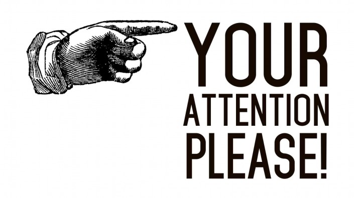 llamar la atención